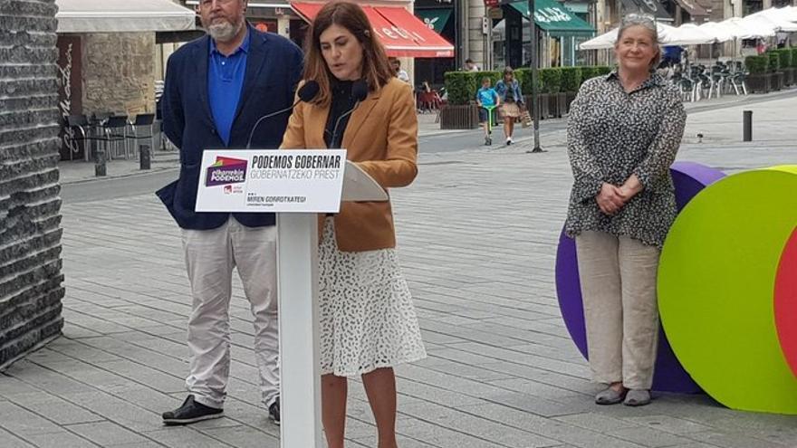 La candidata de Elkarrekin Podemos-IU, Miren Gorrotxategi, durante un acto en Vitoria