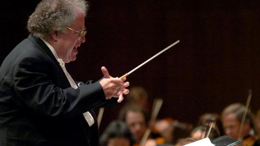 El director de orquesta estadounidense James Levine