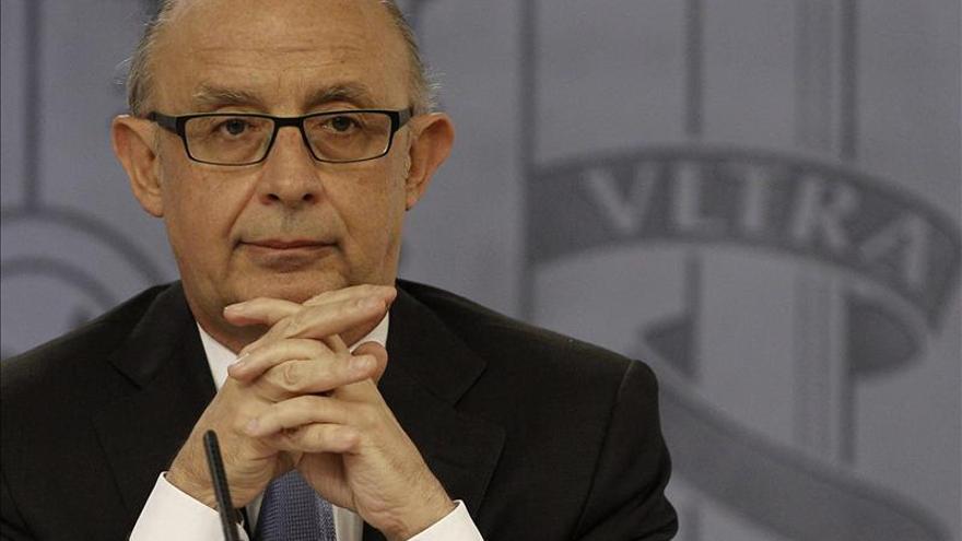 """Montoro dice que en abril se ha dado un """"auténtico vuelco"""" en la balanza de pagos"""
