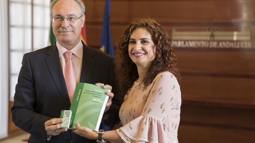 """Andalucía pide """"mecanismo compensatorio"""" mientras se debate financiación"""