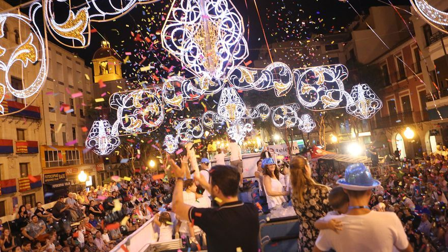 Elche celebra sus fiestas a mediados del mes de agosto