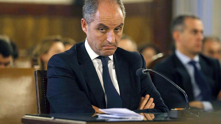 Francisco Camps, en el banquillo de los acusados, hace ahora un año.