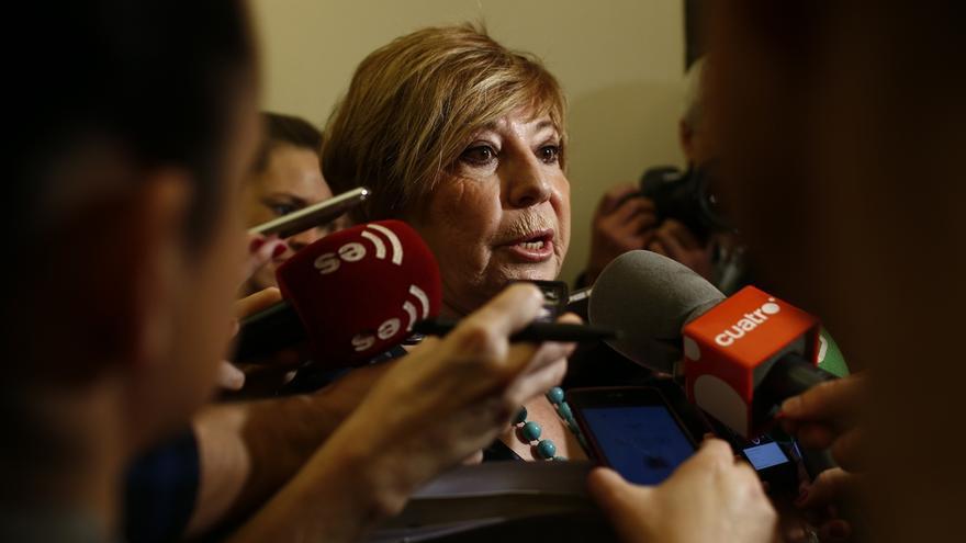 """Celia Villalobos recomienda """"callarse la boca"""" a quienes piden el acta de Rita Barberá"""