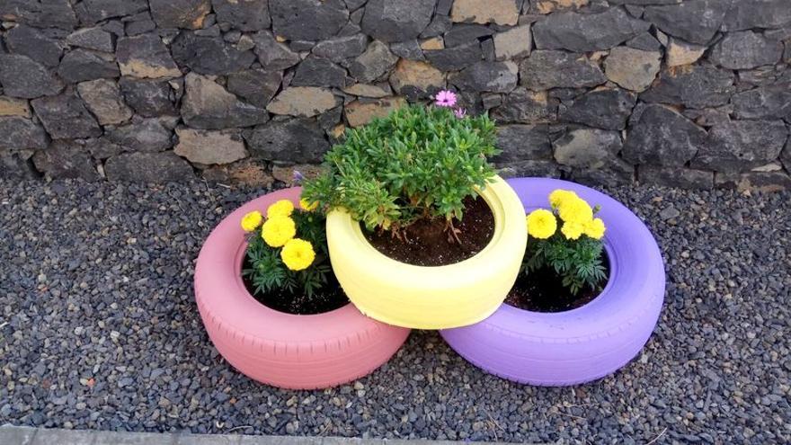 AFA La Palma  ha realizado diversas mejoras en los jardines que rodean el Centro de Día de Las Ledas (Breña Baja).