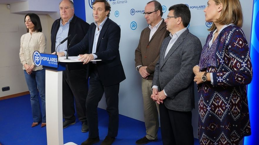 """Hernando (PP) dice que Rajoy querrá saber si el PSOE optará por dejar gobernar o por """"bloqueo e intransigencia"""""""