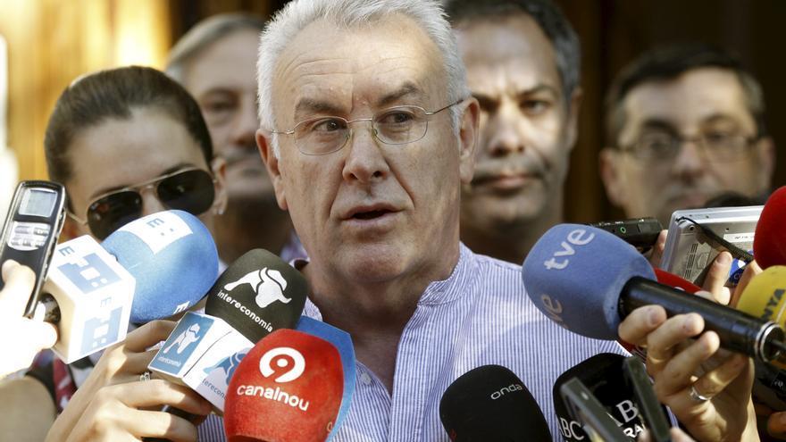 Lara afirma que hoy se va a poner una moción de censura a la política de Rajoy