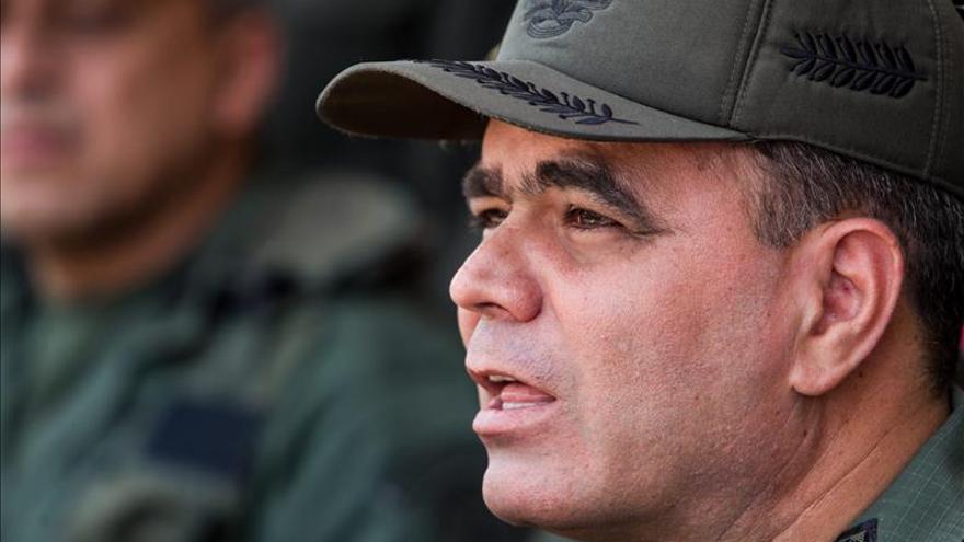Ministros de Defensa ruso y venezolano abordan la cooperación militar en Caracas