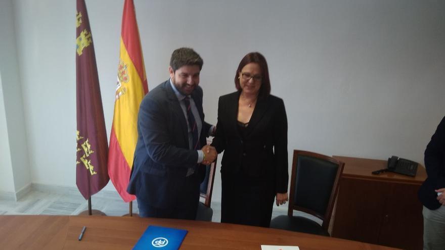 Fernando López Miras (PP) e Isabel Franco (Cs) firman cierran su acuerdo de Gobierno en Murcia