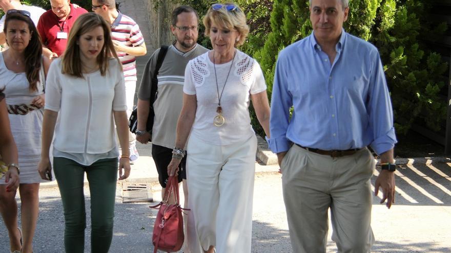"""Aguirre pide a las NNGG del PP de Madrid que estudien para combatir """"las propuestas demagógicas de partidos antisistema"""""""