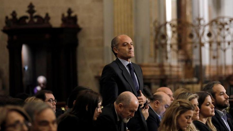 Camps, Bonig y concejales del PP asisten a la misa en memoria de Rita Barberá