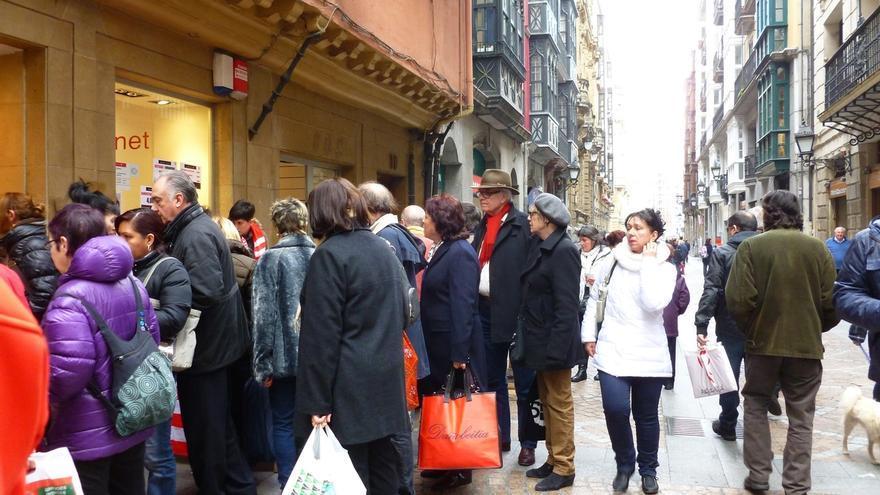 El Casco Viejo de Bilbao volverá a sacar las gangas a la calle este viernes y sábado para asegurarse un mejor tiempo