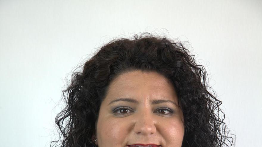 Damaris Ferraz, concejal del PP en el Ayuntamiento de Villa de Mazo.
