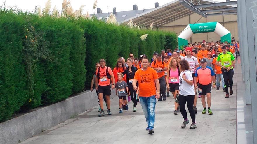 La I Marcha Solidaria contó con más de un centenar de personas | Foto: Cantabria Actúa