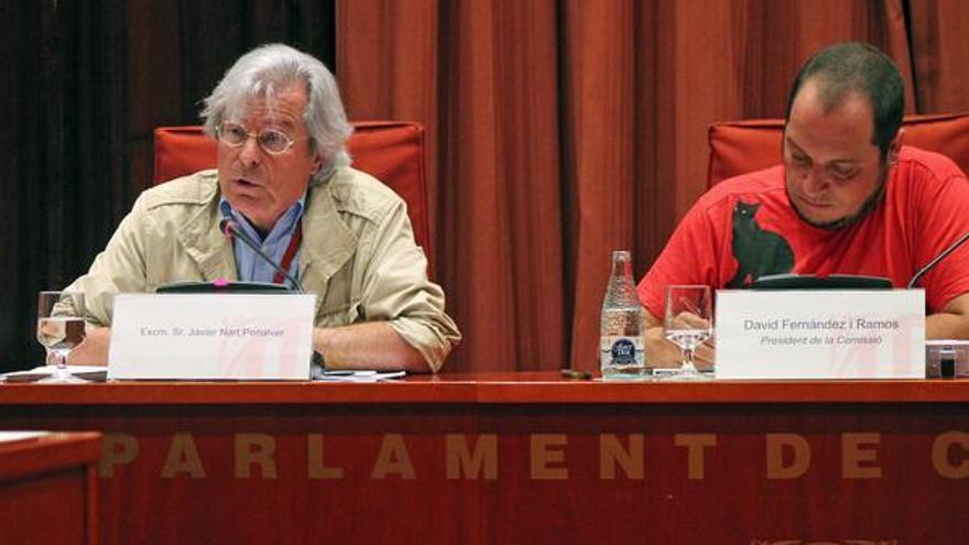L'eurodiputat Javier Nart, al costat del president de la Comissió Pujol, David Fernández