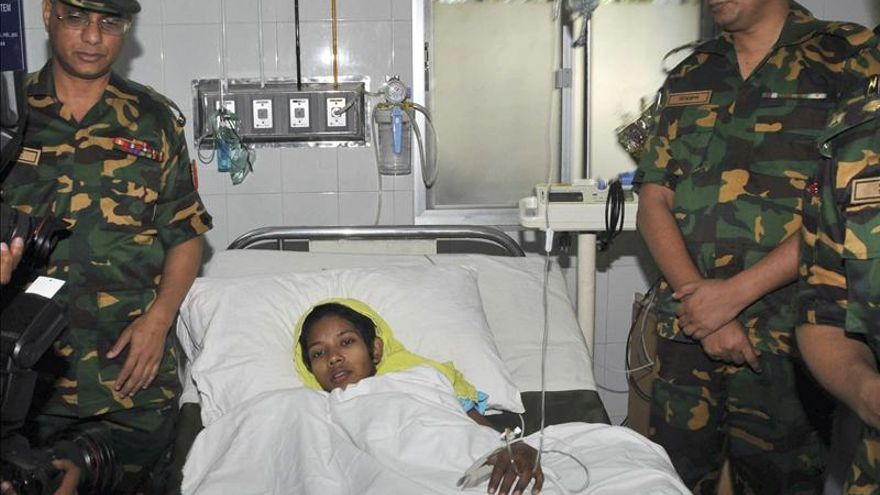 Más precaución en el desescombro de Bangladesh tras hallar una superviviente