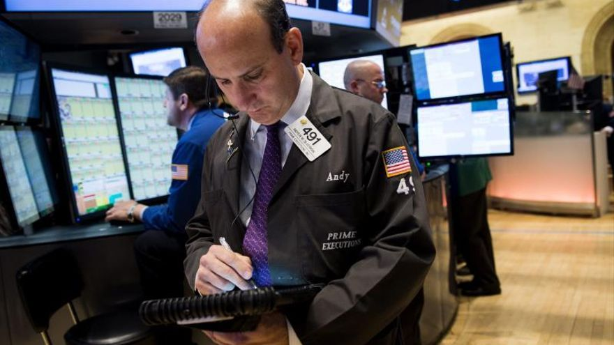 Wall Street abre sin tendencia clara y el Dow Jones baja un 0,14 por ciento