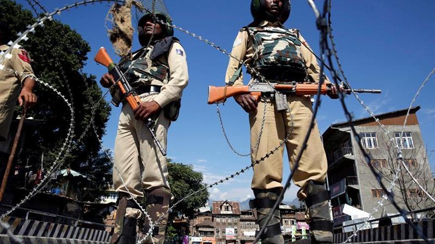 """India lanzó """"ataques quirúrgicos"""" en la frontera de facto con Pakistán"""