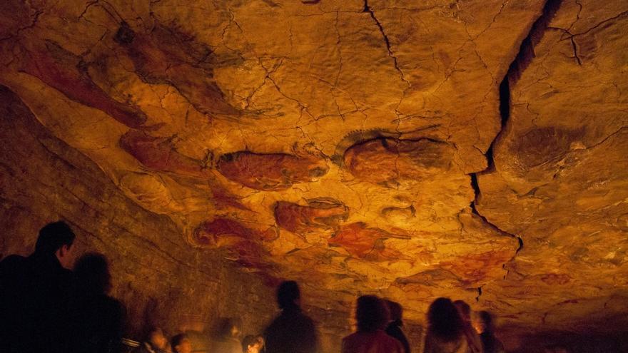 El Museo de Altamira celebra la Noche de los Museos con la luz original con que se pintó la cueva