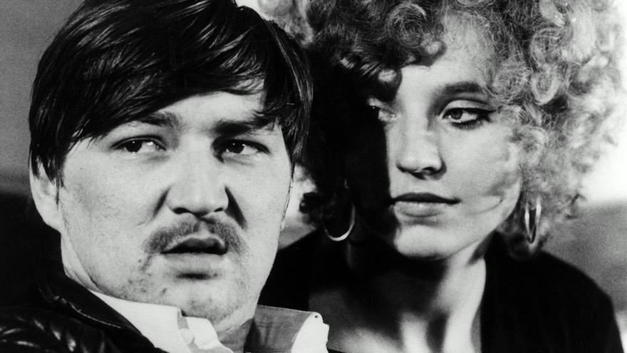 Rainer Werner Fassbinder con Liz Soellner en Liebe ist Kälter als der Tod