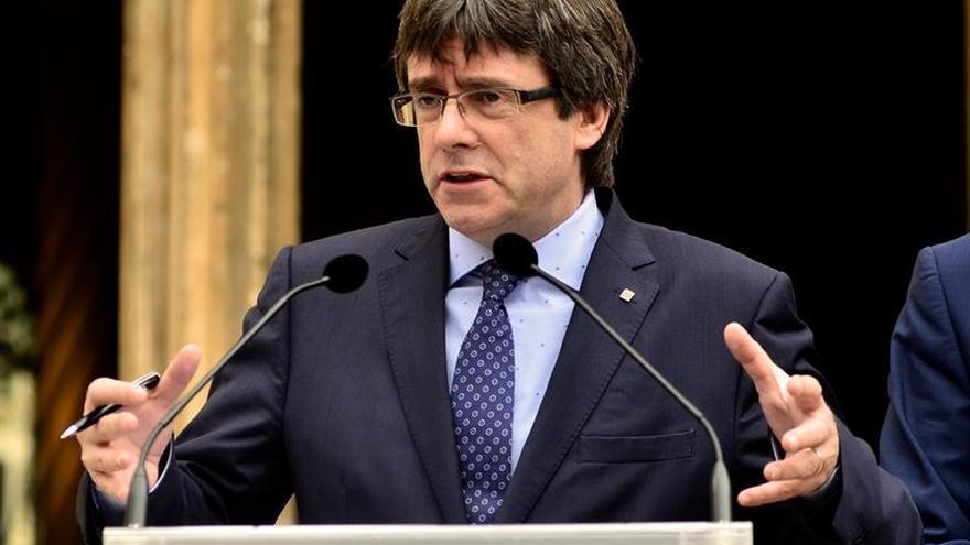 Puigdemont reclama al Gobierno que ejecute sin demora el Corredor Mediterráneo