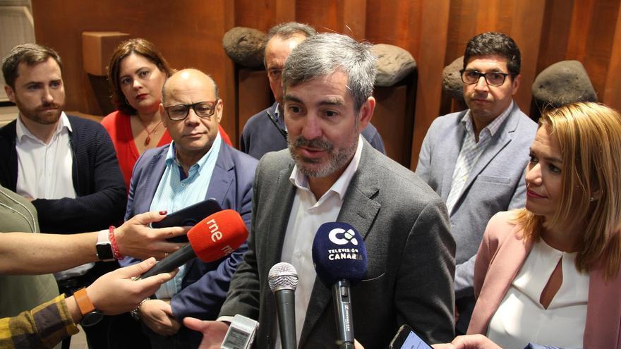 Fernando Clavijo atiende a los medios.