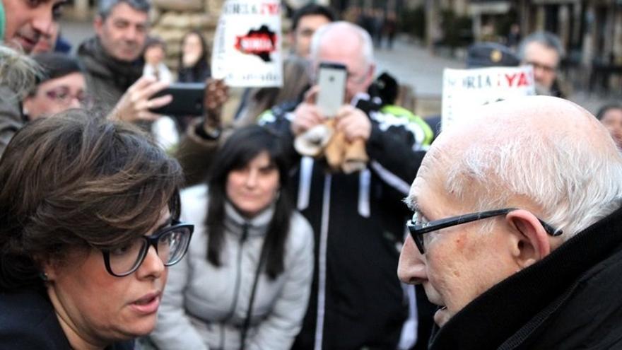 Goyo Alonso con la entonces vicepresidenta del Gobierno, Soraya Sáenz de Santamaría.