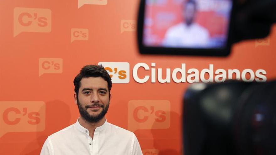 """C's asegura que no darán """"un cheque en blanco"""" si Rajoy deja ser el candidato"""