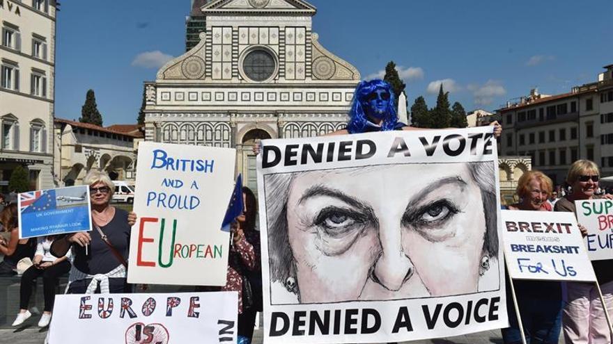 May dice que el Reino Unido quiere un período de transición de dos años tras el brexit