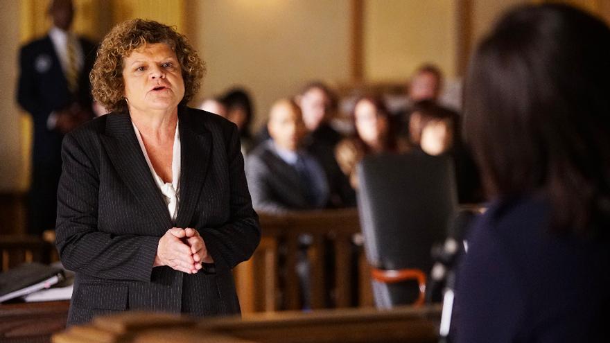 Fallece Mary Pat Gleason, en un episodio de 'Cómo defender a un asesino'