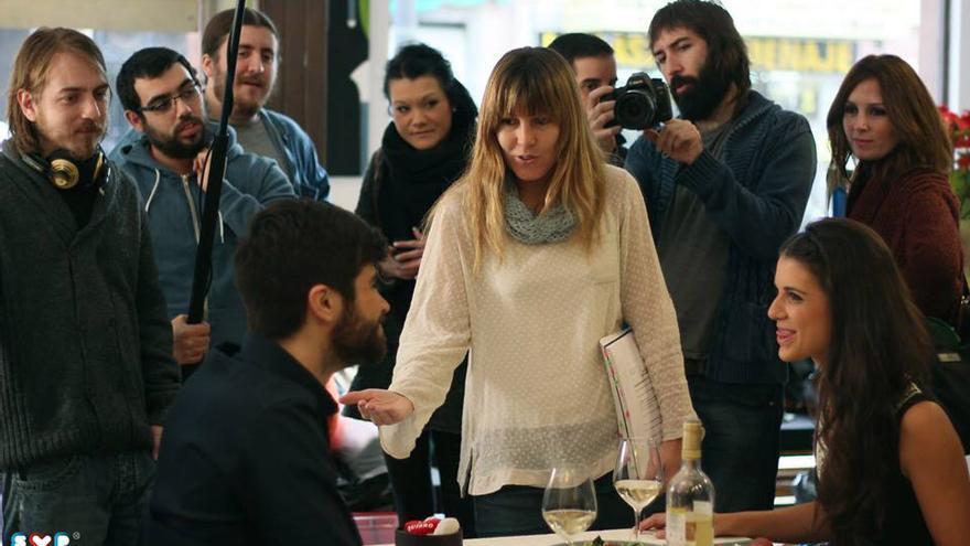 La guionista y directora, Ana Ramón, durante el rodaje de la segunda temporada de SVP