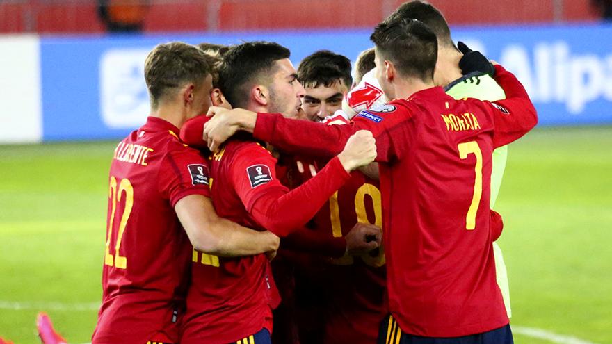 La Selección Española celebra el gol de la victoria