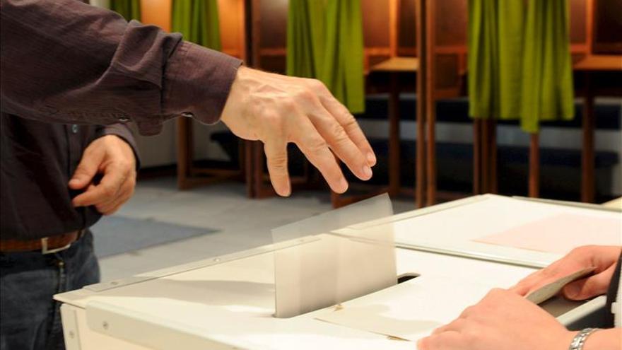 La credencial de eurodiputado incorporará su acatamiento a la Constitución