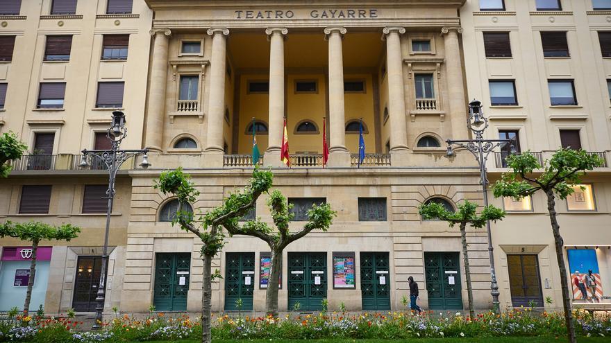 Archivo - Fachada del Teatro Gayarre de Pamplona.