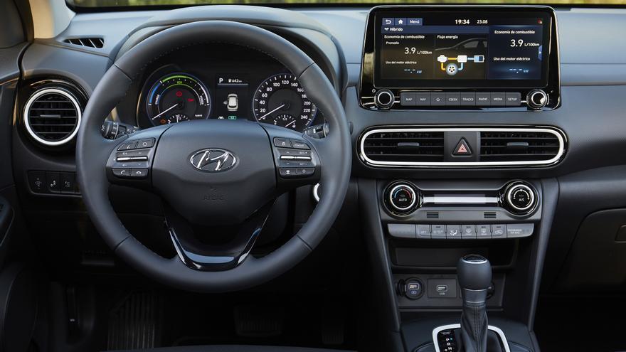 Cuadro de instrumentos del Hyundai Kona híbrido.