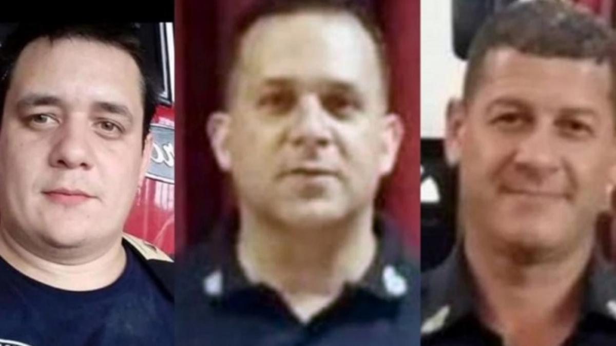 Los tres bomberos que perdieron la vida combatiendo el incendio.