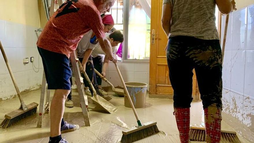 Voluntarios ayudando a paliar los efectos de la última DANA en la Región de Murcia