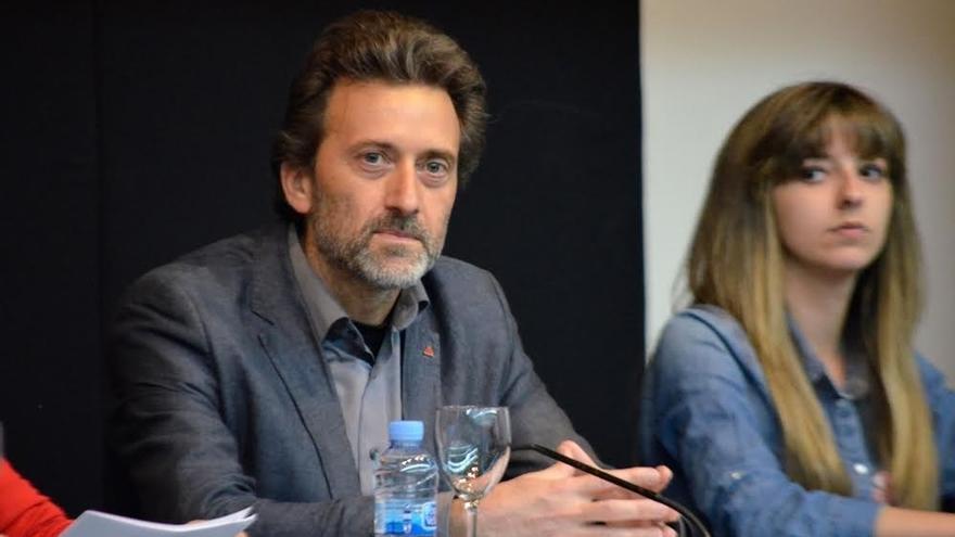 """AMP- Valiente presenta su candidatura a Ahora Madrid y dice que sólo la unidad podrá frenar al """"engendro"""" que es Aguirre"""