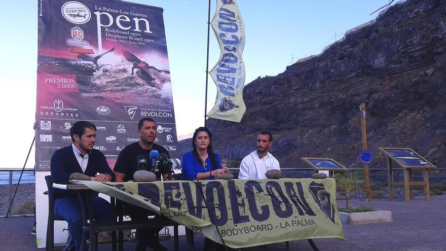 En la imagen, este jueves, en la playa de Los Guirres, presentación de la última prueba del Circuito Canario de Surf y Bodyboard Shark