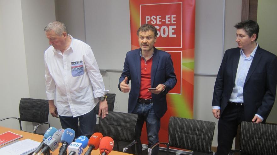 Unai Ortuzar, en el centro, durante su etapa en el PSE-EE
