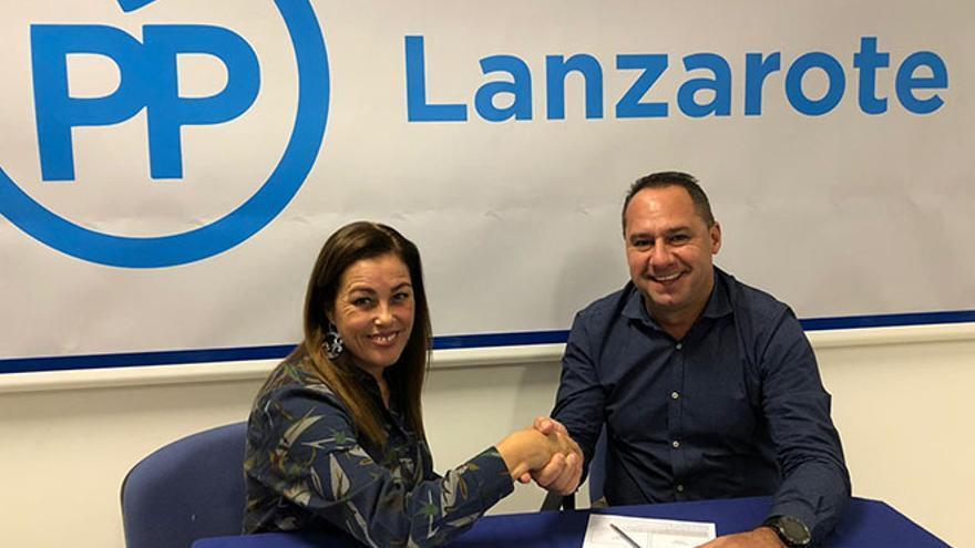 Juan Monzón se integra en el PP de Yaiza.