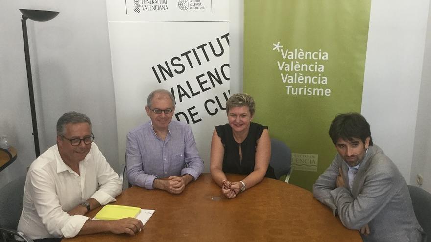 Imatge de la reunió entre Pilar Moncho i Abel Guarinos