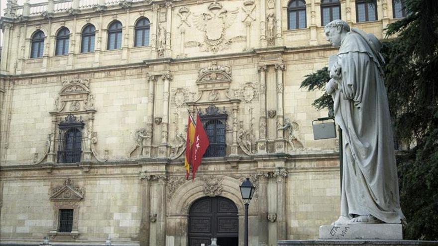 El Defensor del Pueblo y la Universidad de Alcalá premian a las Adoratrices