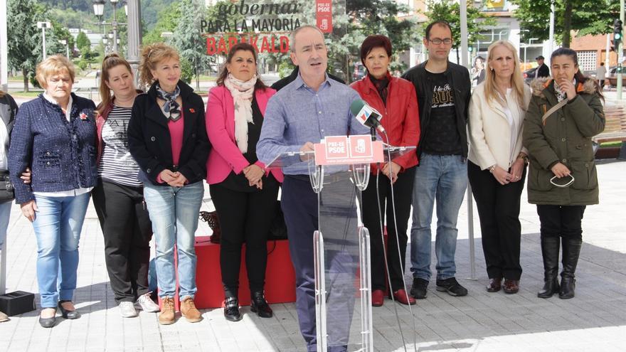 García (PSE) ofrecerá nuevos servicios para mayores y seguirá con la mejora de las instalaciones deportivas