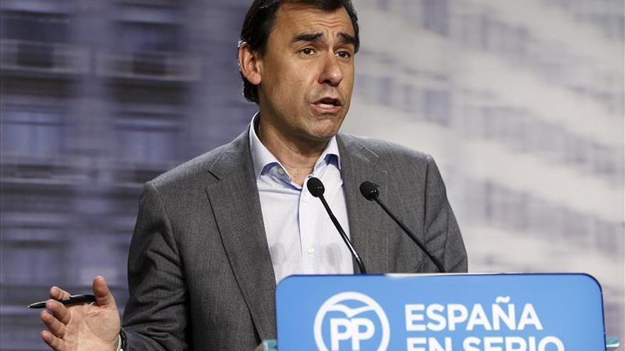 El PP pide a los demás partidos que digan ya si dejarán gobernar a la lista más votada