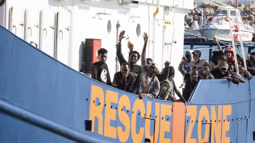 Italia autoriza al barco de Sea Eye con 414 migrantes a atracar en Pozzallo