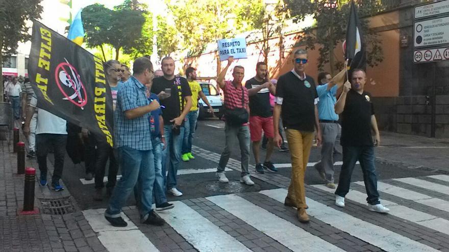 Marcha de taxistas celebrada el jueves 13 de octubre en Santa Cruz de Tenerife