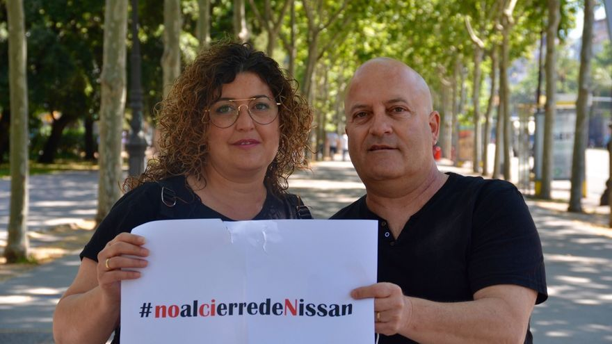 Cristina Rosa de Paz y Matías Infante, trabajadores de Nissan, el pasado miércoles en Barcelona.