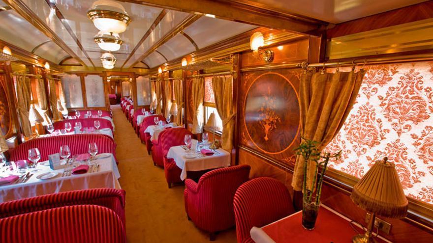 Interior del tren Al-Ándalus