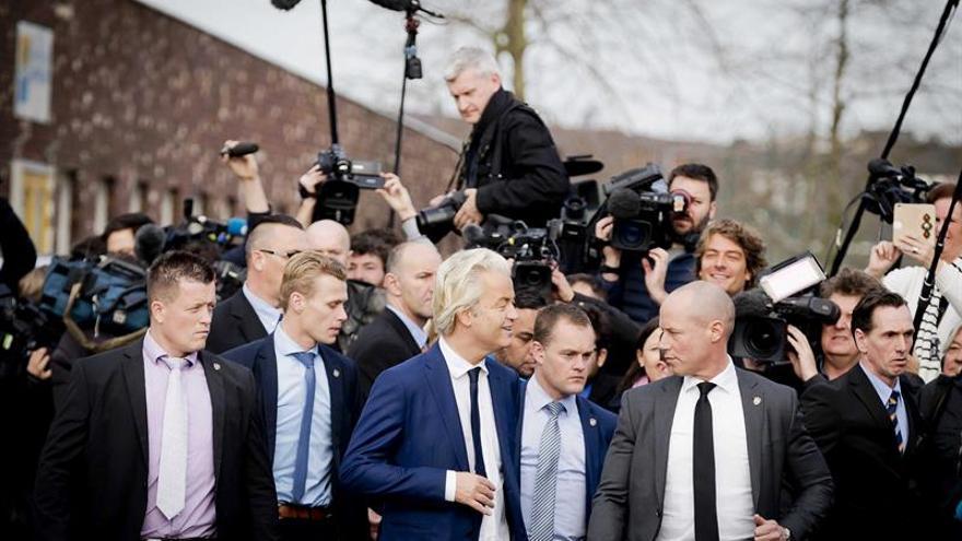 En Volendam, considerado feudo de Wilders, sus opositores alzan la voz