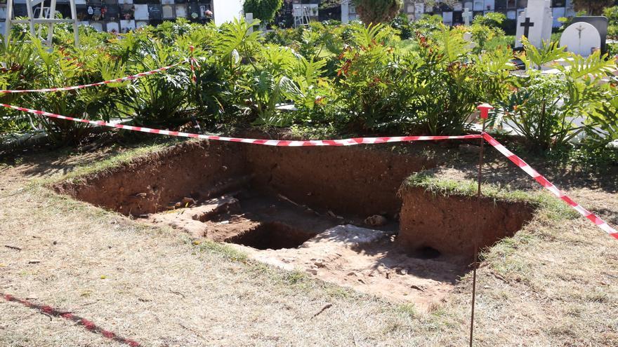 Excavación en la fosa común de Vegueta.